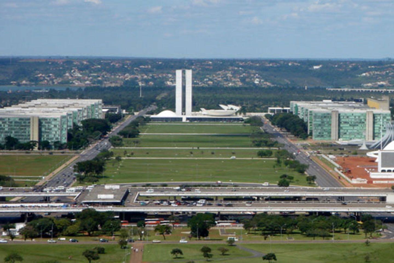 eje monumental brasilia